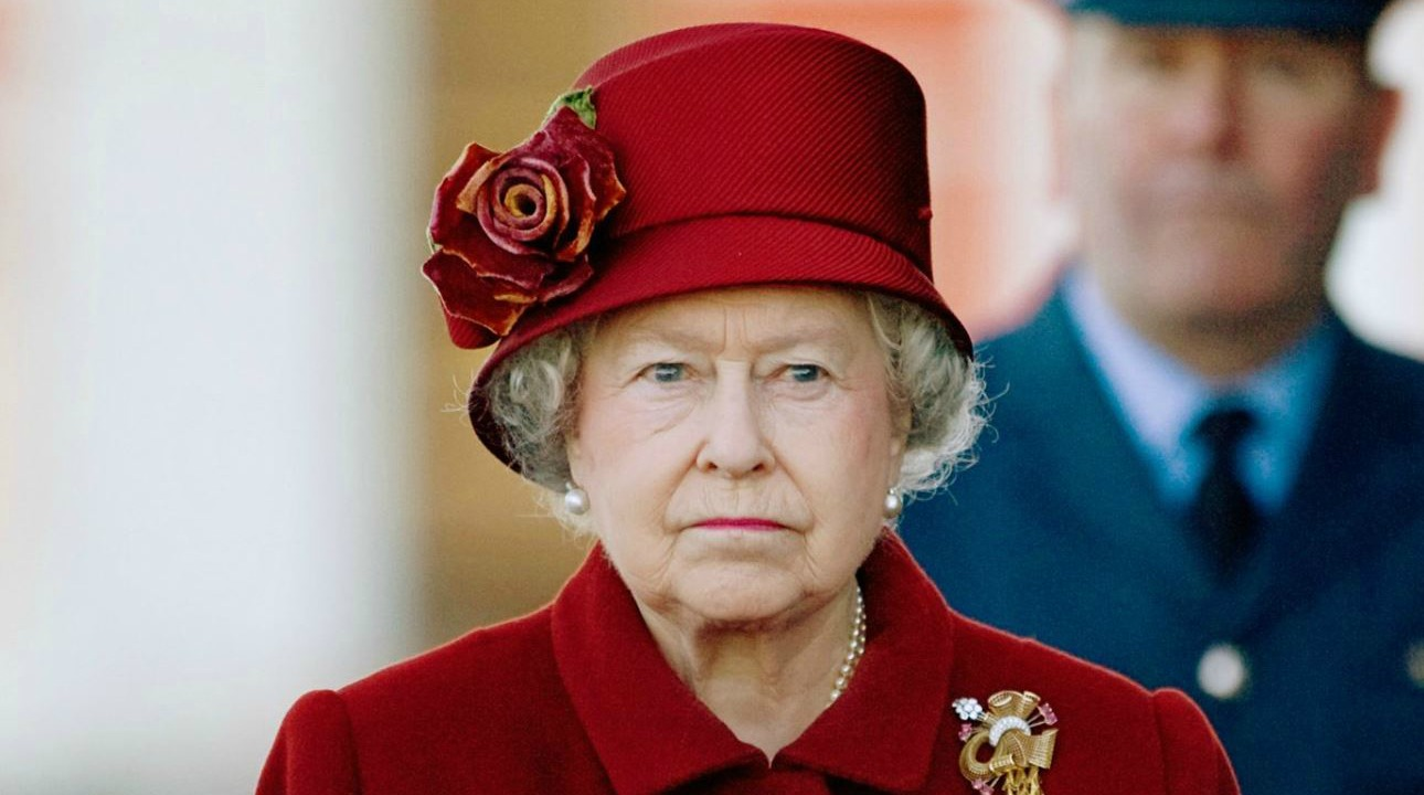 Queen Elizabeth Makes Historical Speech on COVID-19 - First For Women