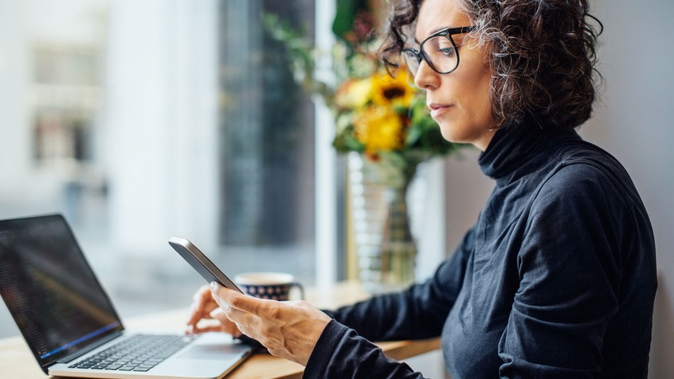 woman wearing best computer glasses