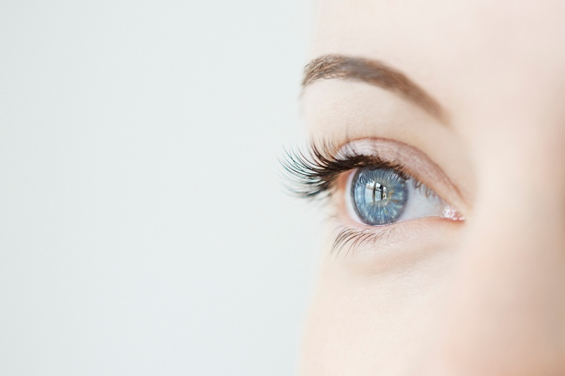 5 Easy Ways to Slow Down Eye Aging - First For Women