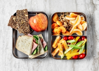 lunch box of heart-healthy foods