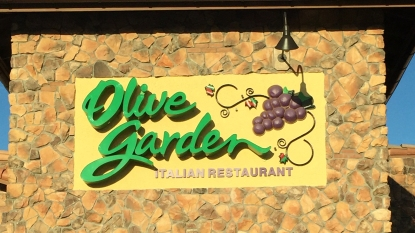 olive garden chain sign