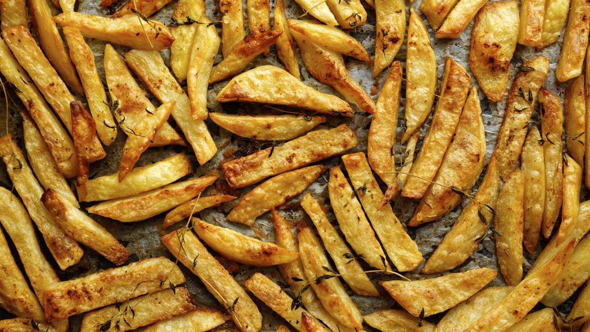 Best Trick for Baking Crispy Potatoes - First For Women