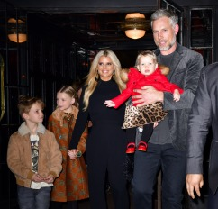 jessica simpson and her family