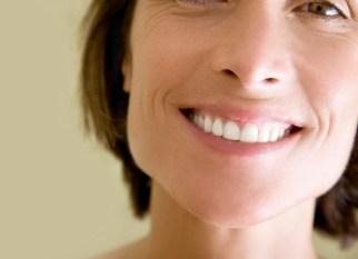 woman fights gum disease