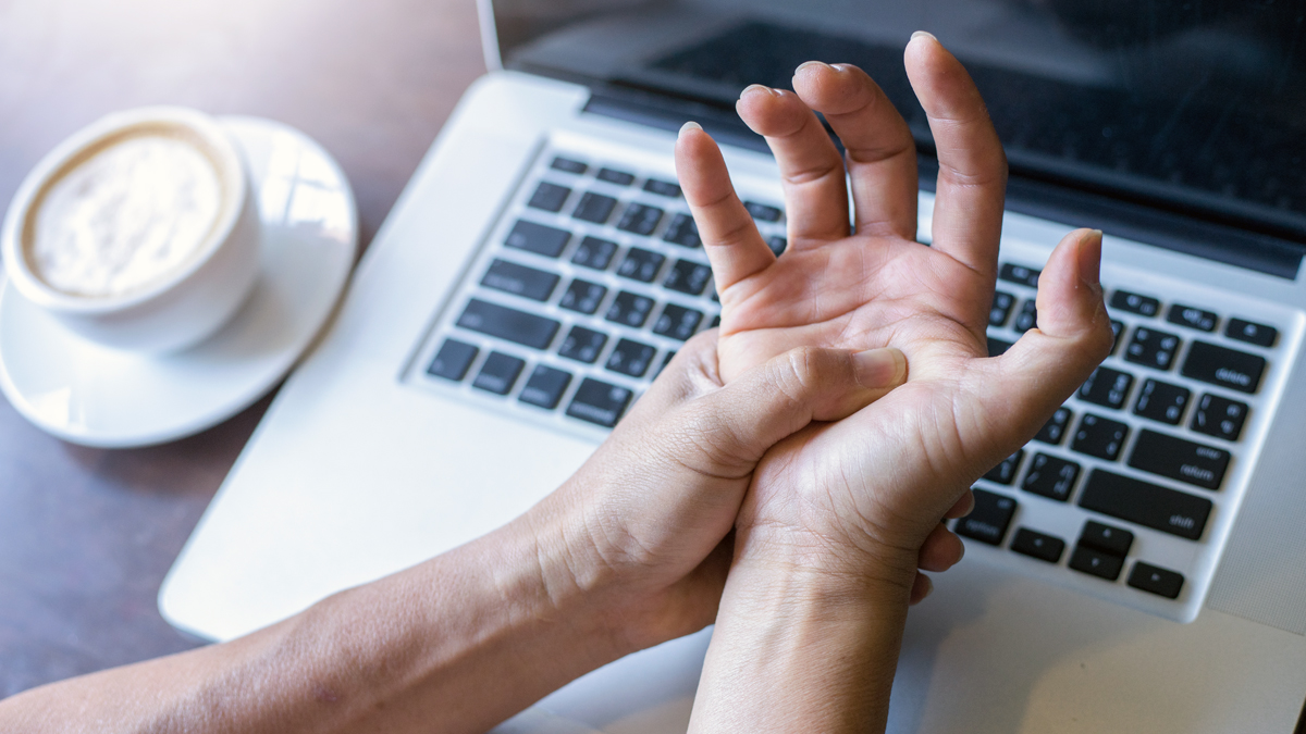 5 Simple Tips to Soothe Wrist Aches and Pains