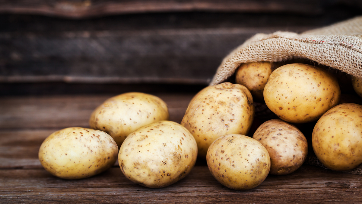 10 Brilliant Uses for Potatoes That Have Nothing to Do With Eating Them