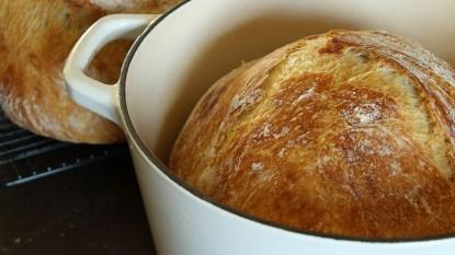 bread baked in a dutch oven enamel pan