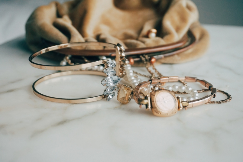 A Jewelry Shining Hack to Use at Home - First For Women