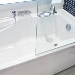 Clean bathtub