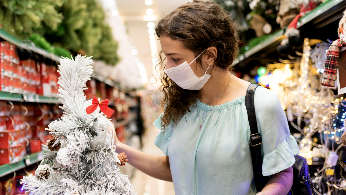 These Are the Best Times to Get Your Holiday Shopping Done Safely This Year