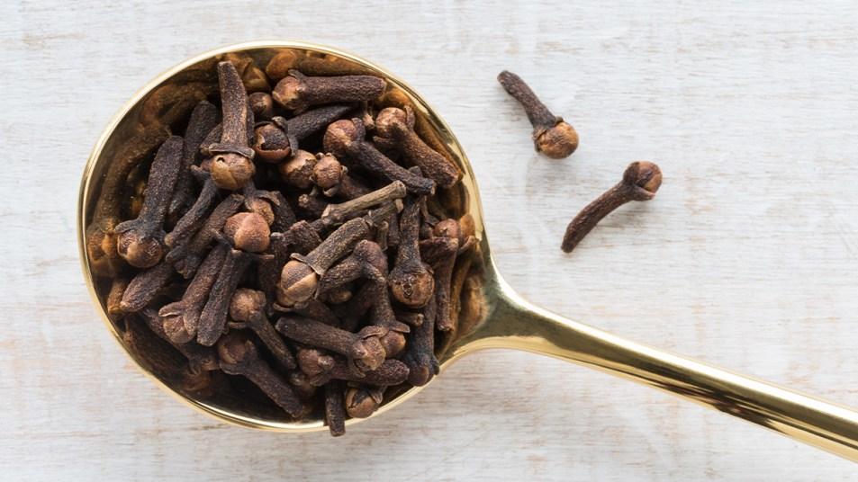 Clove tea story image