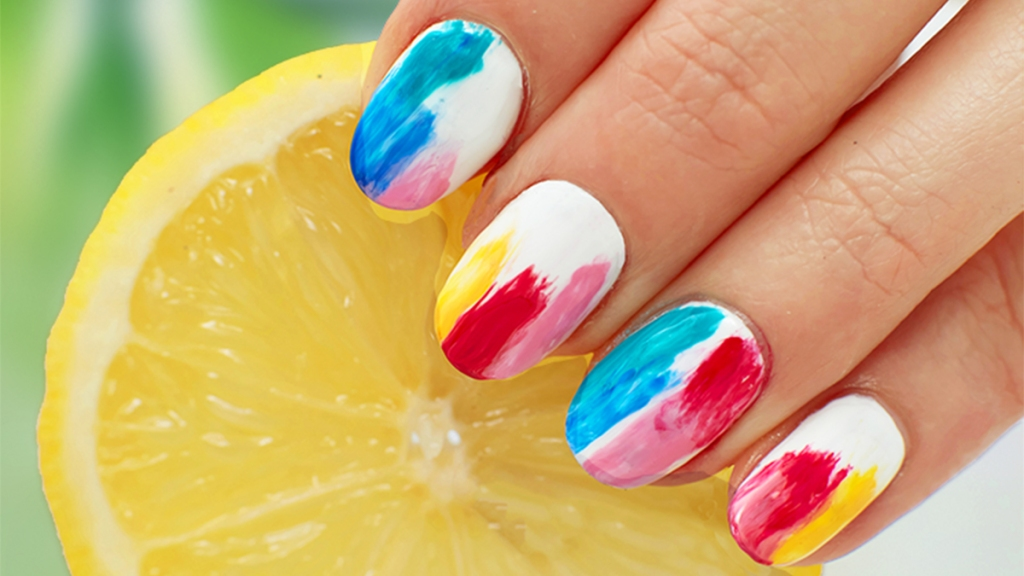 Watercolor design nails main photo
