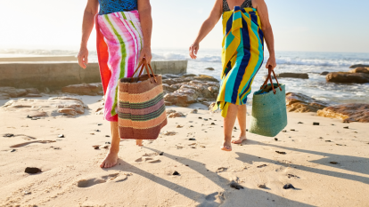 summer-beach-bag-essentials