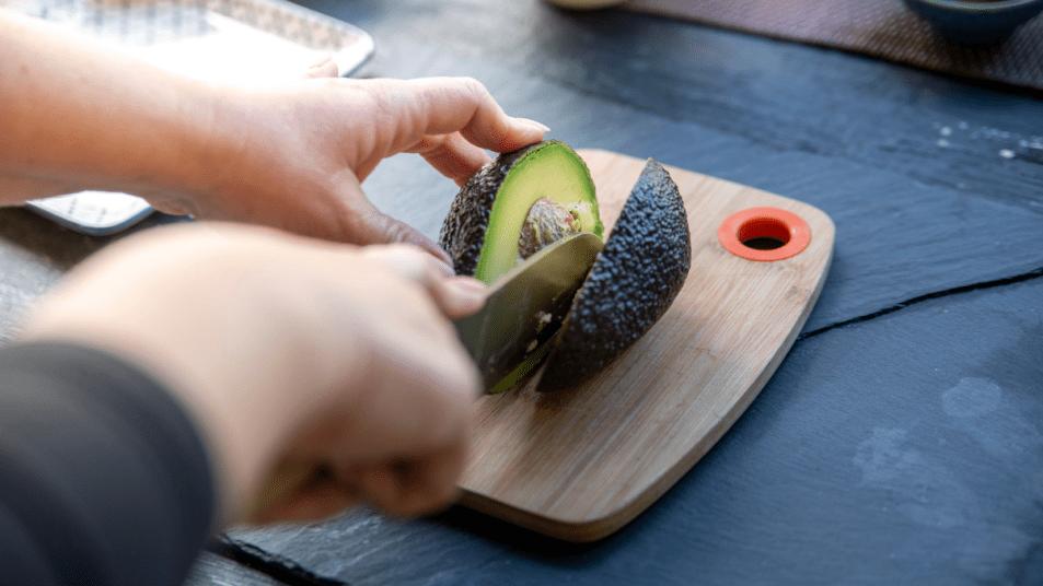 remove-avocado-pit-by-cutting-sideways