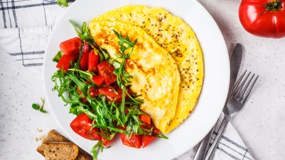 Omelette with a side salad