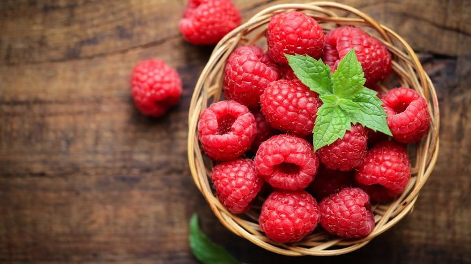 A bowl of raspberries
