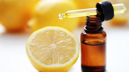Lemon and essential oil